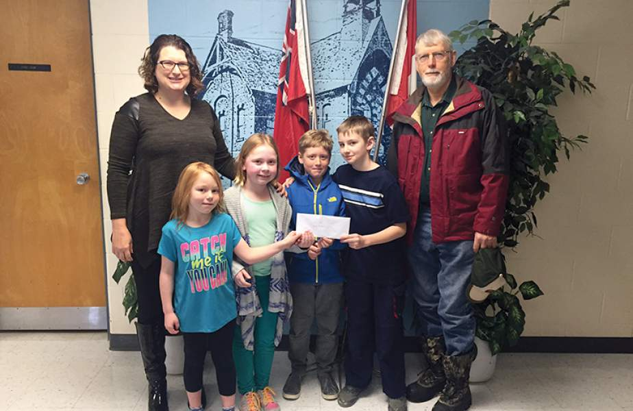 Creemore Hort Society donates to NCPS garden